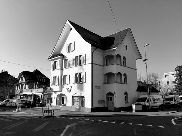 Gebäude der Anwaltskanzlei Meier & Vogel Rechtsanwälte in Dübendorf